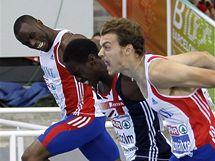 Francouzský sprinter Christophe Lemaitre (vpravo) a jeho těsné vítězství ve finále závodu na 200 metrů na ME. O setinu porazil Brita Malcolma (uprostřed)