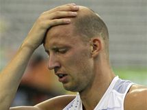 PROPÁSL MEDAILI. Petr Svoboda se drží za hlavu poté, co nezvládl finále na 110 metrů překážek na ME v Barceloně