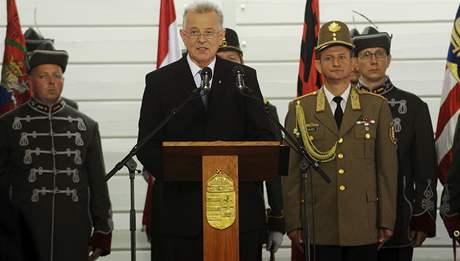Pál Schmitt se ujal maďarského prezidentského úřadu (6. srpna 2010)