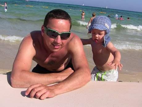 Petr Bende se synem Matyasem na dovolené v Tunisku