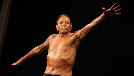 Dvaadevadesátiletý Paul Mart se stal nejlepším kulturistou nad 70 let