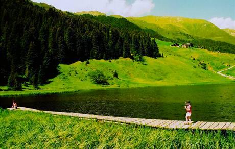 Jezero nedaleko Praxmaru