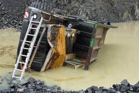Tragická nehoda v kamenolomu na Liberecku