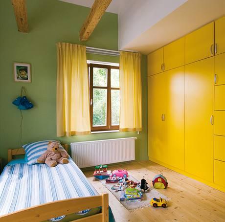 Dětské pokoje využívají zvýšení stropu pod sedlovou střechu