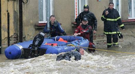 Velká voda a evakuace lidí v Chrastavě