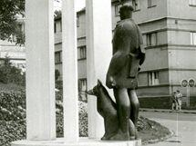 Archivní snímek sochy pohraničníka v Domažlicích