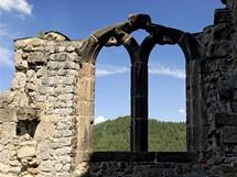 Dochované okno hradního paláce