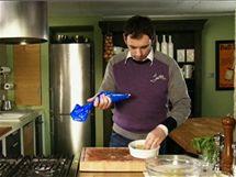 Předvařené cannelloni naplňte špenátovou směsí