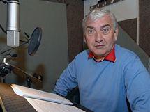 Miroslav Donutil při natáčení audioknihy Černí baroni