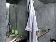 Na stěnách koupelny byl použit voděodolný povrch SIKA