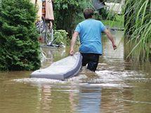 Po přívalovém dešti se některé místní potoky vylily z břehů a zaplavily části několika obcí na Chrudimsku