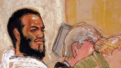 Údajný terorista Omar Khadr před soudem na Guantánamu