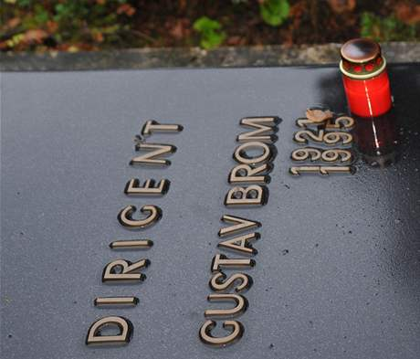 Čestné místo na brněnském Ústředním hřbitově má také dirigent Gustav Brom