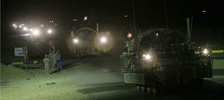 Poslední bojová brigáda americké armády opouští Irák (18. srpna 2010)