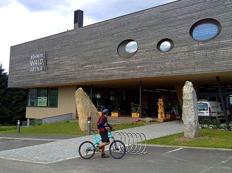 Böhmerwald Arena – Infocentrum, muzeum a zázemí pro běžkaře v běžeckém zimním centru Schönebend