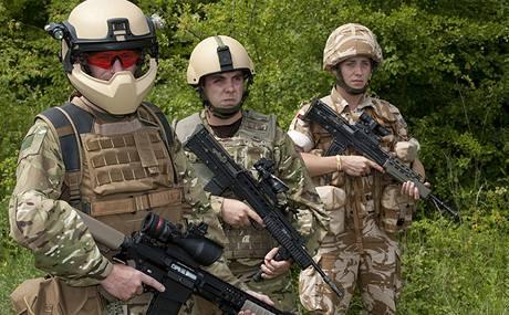 Tři generace vybavení britských vojáků