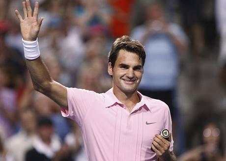 VÍTĚZ. Roger Federer se raduje z postupu do dalšího kola.