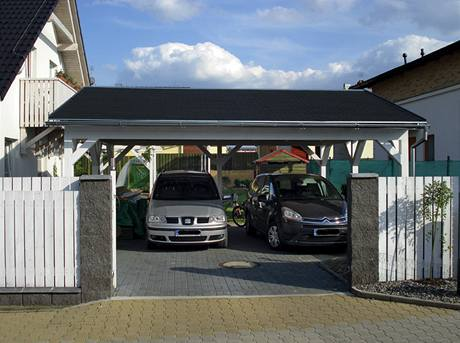 Dům i přístřešek by měly mít shodný typ střešní krytiny