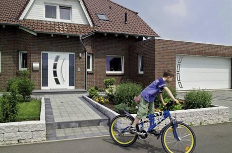 Garážová vrata lze sladit s domovními