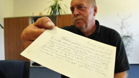 Z rodinného archívu Jiřího Dubšíka z Ivančic - dopis, ve kterém Muchová píše, že se dohodla s pražským primátorem na zachování Epopeje v Moravském Krumlově.