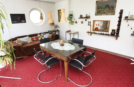 Vila se dochovala téměř v původním stavu s mnoha funkčními detaily: zásuvkami, vypínači, svítidly nebo umyvadly