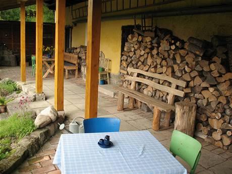 O koupi chalupy rozhodla možnost vybudování zastřešené terasy