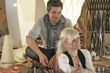 Confused-Direction je duo německých designerů Flo Florianové a Saschy Akkermanna