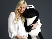 Těhotná Kateřina Kristelová v kampani na hračky