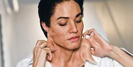 Angelina Jolie jako muž ve filmu Salt.
