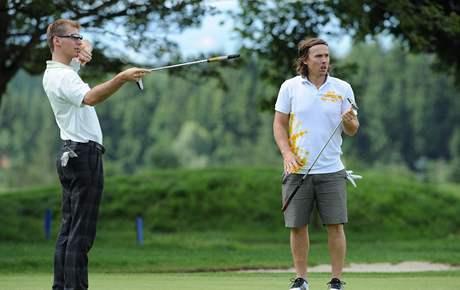 Vlastimil Štefl a Ondřej Bank na golfu, hřiště Kořenec.