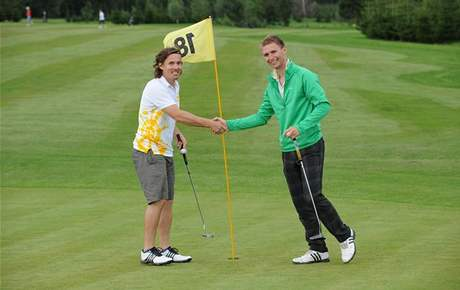 Ondřej Bank a Vlastimil Štefl na golfu, hřiště Kořenec.
