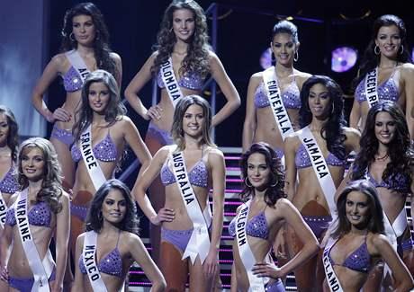 Finalistky soutěže Miss Universe včetně Jitky Válkové z České republiky