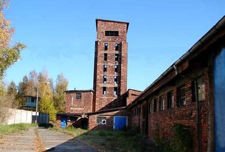 Takzvaná Věž smrti, někdejší třídírna uranové rudy v Jáchymovských dolech.