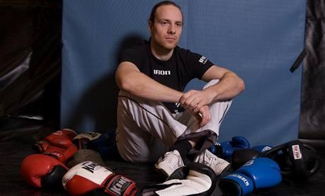 """""""Chci v klubu udržet stávající partu a přesvědčit další, že kickbox patří mezi to nejlepší, co mohou dělat,"""" vysvětluje trenér Alois Škeřík"""
