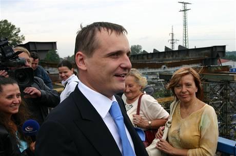 Ministr dopravy Vít Bárta v Bohumíně (27. srpna 2010)