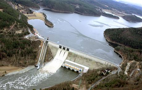 Hrubá stavba Orlické přehrady byla dokončena v roce 1960.