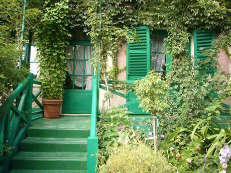 Dům je pečlivě udržovaný jako za života Clauda Moneta