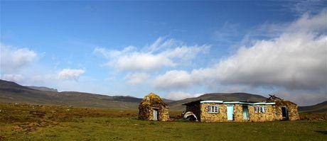 Afrika, Lesotho, horské stavení v leshotském království