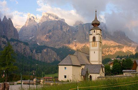 Časné ráno v jihotyrolském Colfoscu