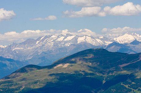 Z vrcholu Seceda (2 518 metrů) můžete obdivovat i vrcholky pokryté věčným sněhem