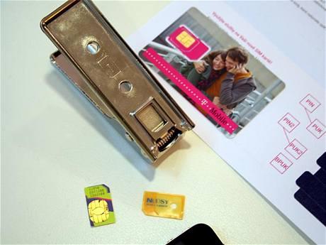 Kle�t� na vycvaknut� microSIM karty z klasick� SIM