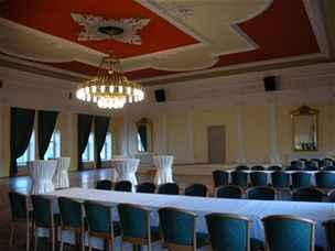 F&B Centrum, to je kompletní cateringový servis společenských akcí, konferencí a jiných setkání.