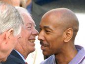 Jimmy Carter a Aijalon Gomes před odletem z Pchjongjangu (27. srpna 2010)