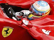 Fernando Alonso z Ferrari během tréninku na VC Belgie.