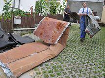 Nad Olešnicí se v úterý večer přehnalo tornádo, které poničilo asi dvě desítky střech domů