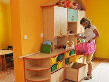 Nově rozšířená mateřská školka ve Valticích na Břeclavsku (na snímku ředitelka Irena Maroušová)