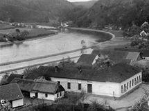 Orlické Zlákovice musely také ustoupit stavbě orlické přehrady.