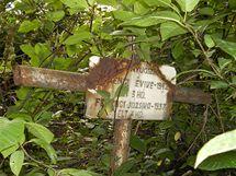 Neudržovaný vojenský hřbitov v Užhorodě.