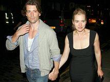Kate Winsletová si vyšla s novým přítelem Louisem Dowlerem