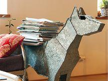Plechového psa před více než deseti lety vyrobil Lukáš sestře Báře k narozeninám